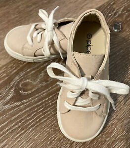 Piper Finn Baby Shoes Taupe Size 7 Wax Leather Uppers EUC