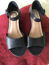 Clarks Navy Leather Wedge Sandals Size 4