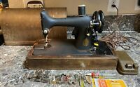 Singer Model 99 Sewing Machine 1942 Vintage + Case Accessories Works Pre-owned