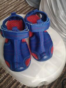 Boys sandals size 9.5