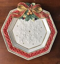 Fitz And Floyd Classics Father Noel Christmas Wreath Plate Hanging White/Red