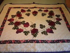 """LANCASTER , PA AMISH  """"COUNTRY GRAPES"""" WALLHANGING QUILT 46 1/2""""- 41 1/2"""""""