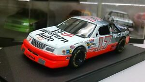 Quartzo 1:43 Diecast NASCAR Darrell Waltrip Western Auto parts Chevrolet Lumina