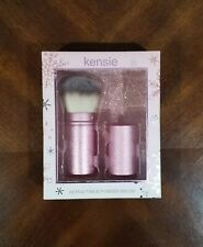 Kensie Retractable Powder Brush work with loose or compact powder.