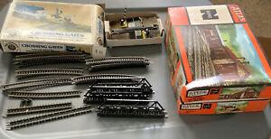 BACHMANN CROSSING GATES N-SCALE Tracks, Engine House,Log mill, Atlas Lot