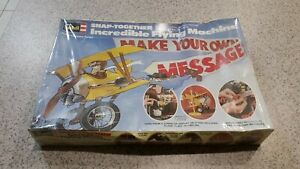 Revell Incredible flying machine Make your own message model kit