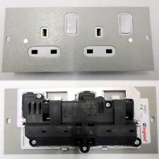 Legrand Floor Box compartiment 13 A Twin 2 G Commutation Standard Socket Plaque 75 mm