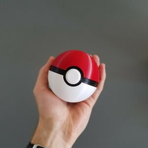 Pokeball Replica - Functioning Button Release Lid
