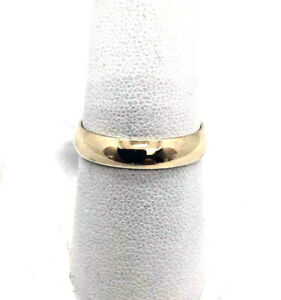 14k Solid Yellow Gold Wedding Band Ring 3.1 Grams Size 8