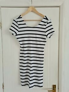 Bodycon Ribbed White & Navy Stripped Dress Size 16