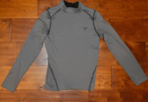 Boy's Old Navy Active Gray Long Sleeve Base Layer Shirt Top Size Small (6)