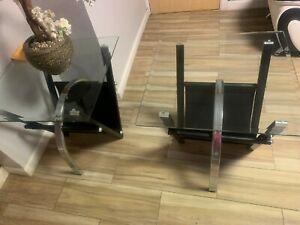 Set of 3 Living room tables, Black metal frame, glass top