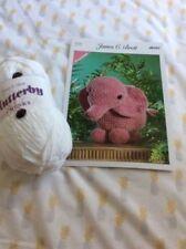 Crochet Kit- Ladybird Cushion 2898//4002 Complete Kit Twilleys