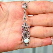 Neuf - Très beau pendentif style Art Deco en argent rubis opale et marcassites
