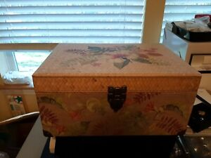 Ashland Vintage Keepsake Box. Tropical Flowers with Latch and Handles.