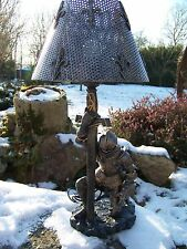 65206   LAMPE  MEDIEVAL ARMURE CROISE CHEVALIER FIGURINE LUMINAIRE  RESINE