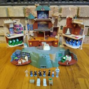 Harry Potter Polly Pocket Hogwarts Castle Playset 2001 w/ Figures -FREE SHIPPING