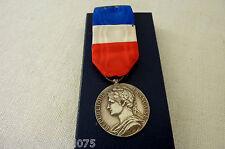 Réf 3 - Médaille argentée Sécurité Sociale- Ministère du travail.