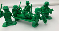 LEGO Toy Story Green Army Men Minifigs and Accessories