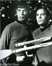 Star Trek Classic of Captain Kirk & Spock Enterprise Model Shatner & Nimoy LOOK