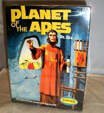 Aurora Polar Lights Planet Of The Apes Dr. Zira Figure Model Kit #6804 Nisb