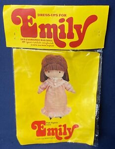 "VINTAGE 1978 JOAN WALSH ANGLUND ""EMILY"" DOLL PINK NIGHTIE 4334 - NEW UNOPENED!"