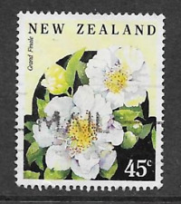 NEW ZEALAND STAMPS - USED 45c STAMP QE11 USED 1992 CAMELIAS - GRANDE FINALE