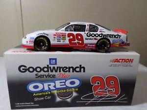 2001 Kevin Harvick #29 GM Goodwrench Oreo Show Car RCR 1:24 NASCAR Action
