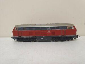 Marklin locomotive diesel BR 216 025-7  en HO