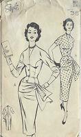 1950s Vintage Sewing Pattern B36 DRESS (1013)
