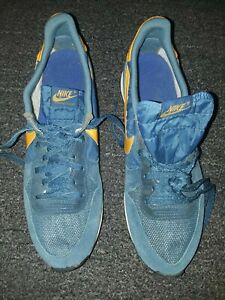 VTG  NIKE INTERNATIONALIST  ..MADE IN USA..9.5.. ...IN EXCELLENT COND