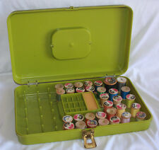 Vintage Wilson Thread Storage Bobbin Bin Green Plastic W/32 Wooden Thread Spools