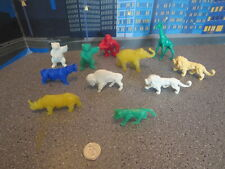 VINTAGE LOT OF PLASTIC ANIMALS CEREAL PRIZES
