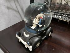 Halloween Couple Driving Car Water Globe Musical (new other)