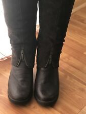 New with Tags - Knee High boots- Cougar Mirage Boots. Size 9