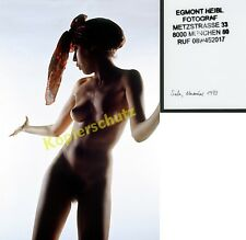 Nackttänzerin Hippie Akt nackt Busen Kopftuch Lichtstimmung Atelier Fetisch 1973