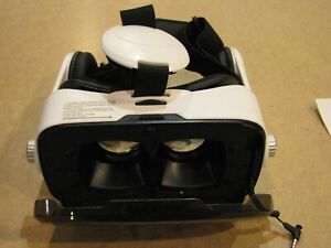 Hype I-FX Virtual Reality Headset w/built in stereo earphones, EUC