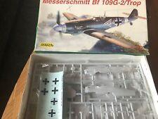 2 W.W.II Flugzeug Modelle von Heller/Intech in 1:72