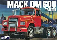 MPC 1:25 Mack DM600 Tractor Plastic Model Kit MPC859