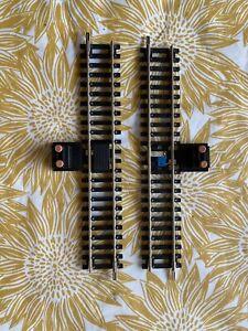 Hornby 00 Gauge R8026 Power Track 2 x