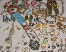 Vintage estate costume jewelry signed and unsigned great Lot READ