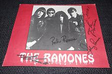 RAMONES signed Autogramme auf 22x29 cm Bild InPerson SELTEN