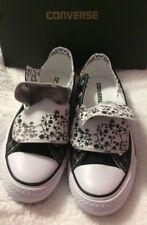 Convers Ladies Black/white Converse Shoes Size 9