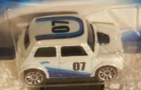 Hot Wheels 2007 Pop-Offs Series White Morris Mini #1/4 with LW Collector #037