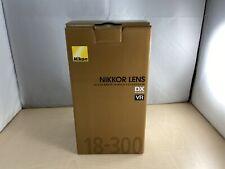 Nikon high magnification zoom lens AF - S DX NIKKOR 18-300 mm f / 3.5 - 5.6 G ED