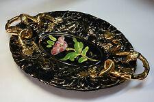 Bandeja modernista de loza con detalles dorados. Modernist tray of earthenware.