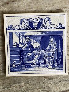 BURROUGHS WELLCOME Pharmacy English Pill Tile The Pharmacist's Laboratory DELFT
