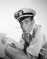"""HUMPHREY BOGART AS COMMANDER QUEEG IN """"THE CAINE MUTINY"""" - 8X10 PHOTO (AA-085)"""