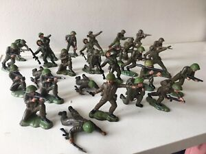 Britains Crescent plastic toy soldiers 1960's