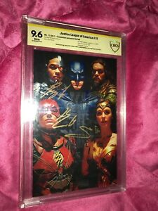 JLA 15 Convention Exclusive Foil 9.6 Signed By Cast: Gadot/Fisher/Momoa/Cavill!!